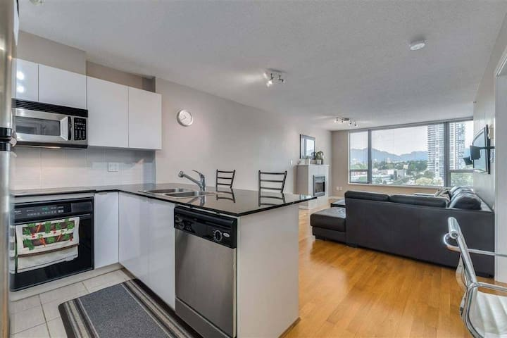 Mountain view on high floor and privacy