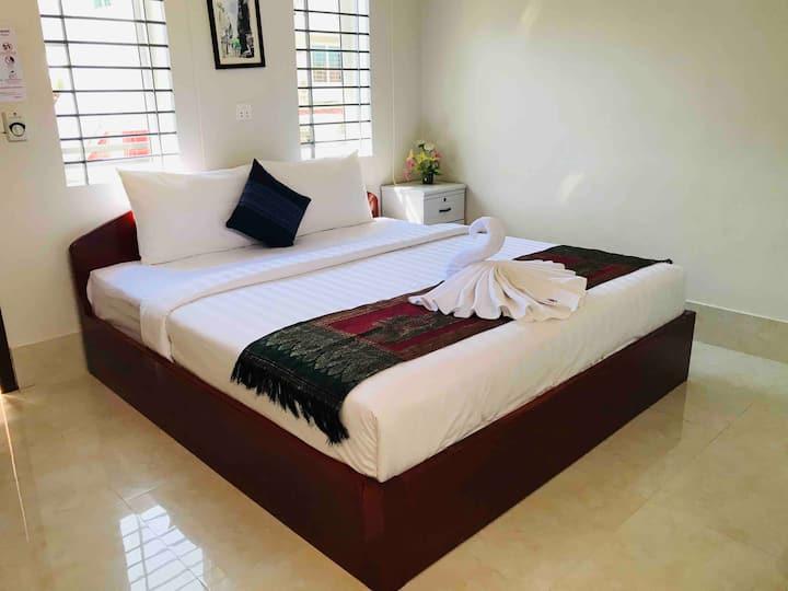 Carolina Angkor Hostel N5 Free pickup & pool