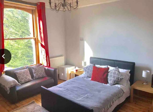Extra Large Double Room with En-suite