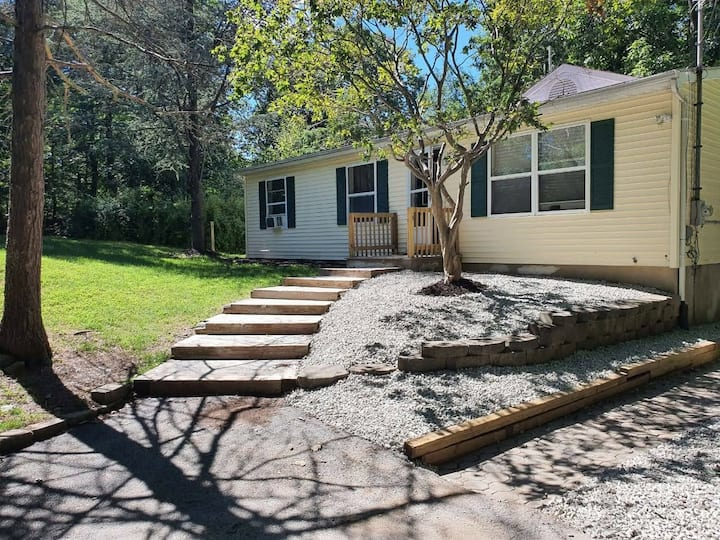 Cozy 3 BR house with a lot of backyard space.