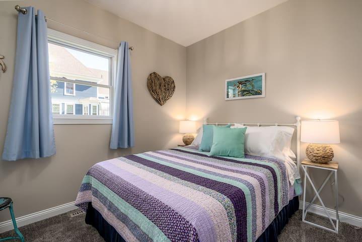 """2nd Bedroom """"Mermaids Quarters"""""""