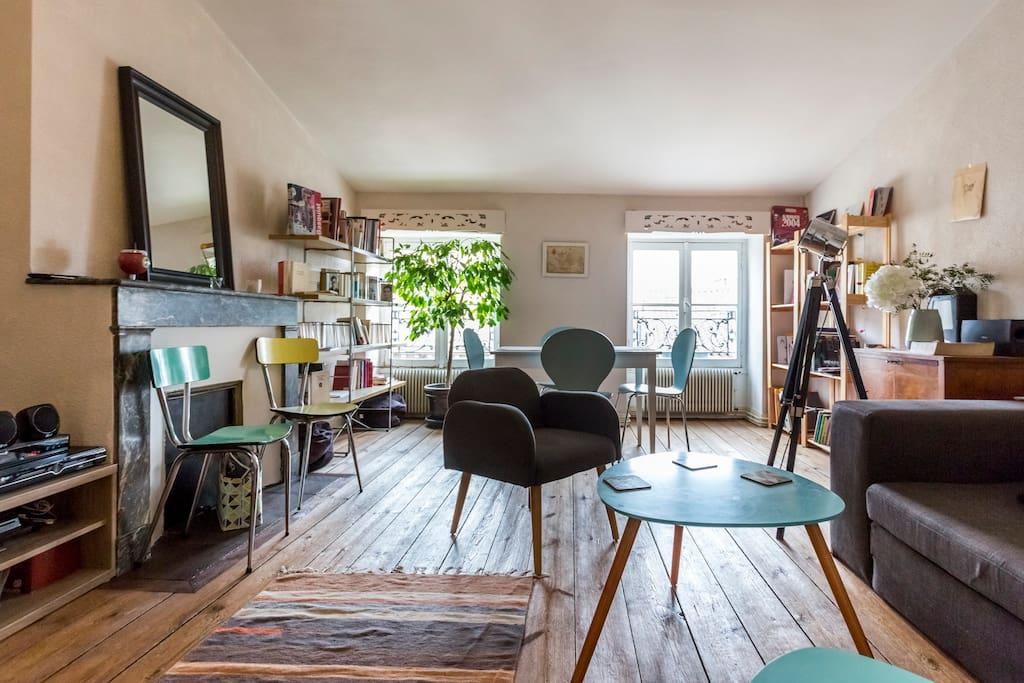 Chambre dans tbe t3 en hyper centre avec petit dej for Location appartement bordeaux centre t3