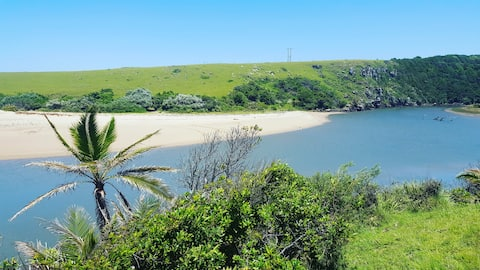 Magical Transkei beach cottage near Kob Inn