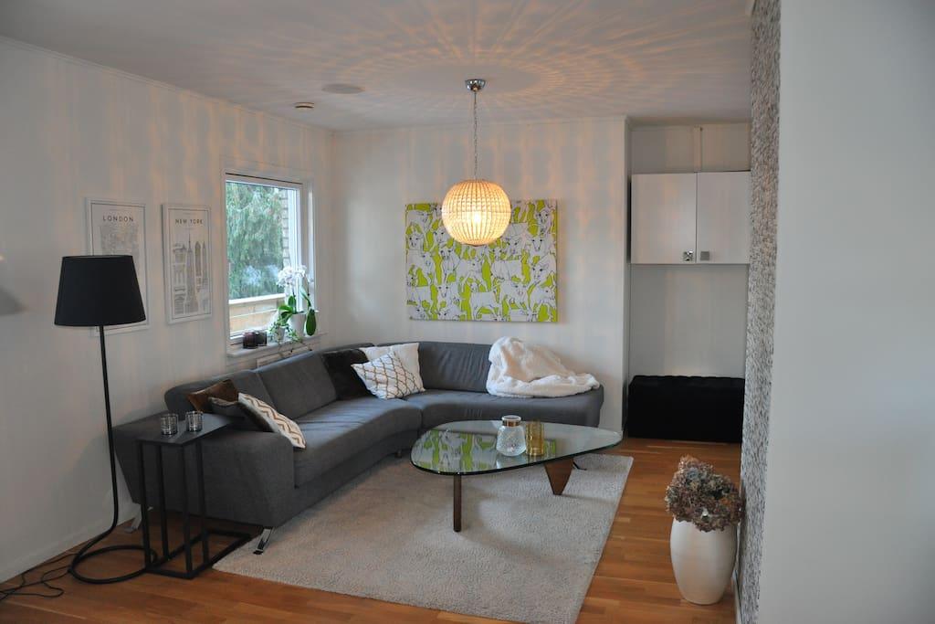Living room, upper floor