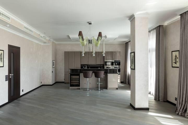 Brand new, modern apartment, close to FIFA Stadium