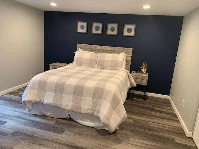 Queen size bedroom with lots of closet space