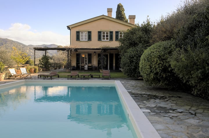 Villa with pool and garden in Rapallo
