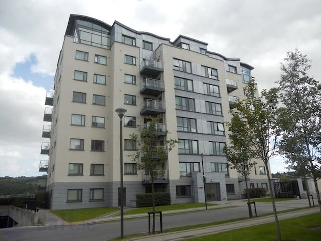 Apartment - Cork City Harbour - Cork - Apartmen