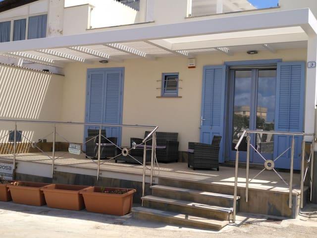 Casa sul mare località  Baia Cornino