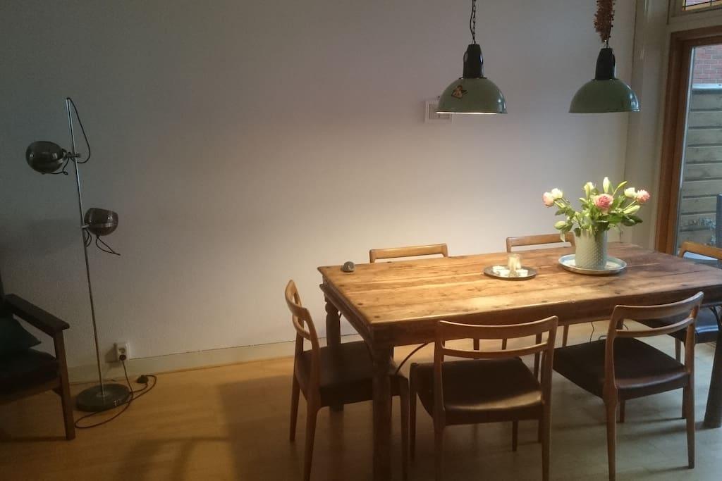 Eettafel voor zes personen
