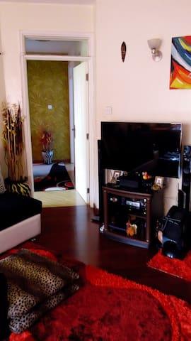 "GG""S PLACE NEAR NATIONAL PARK - Nairobi - Apartment"