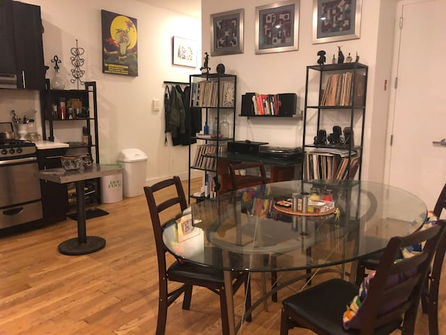 Stylish Room in Swanky Bushwick Apartment
