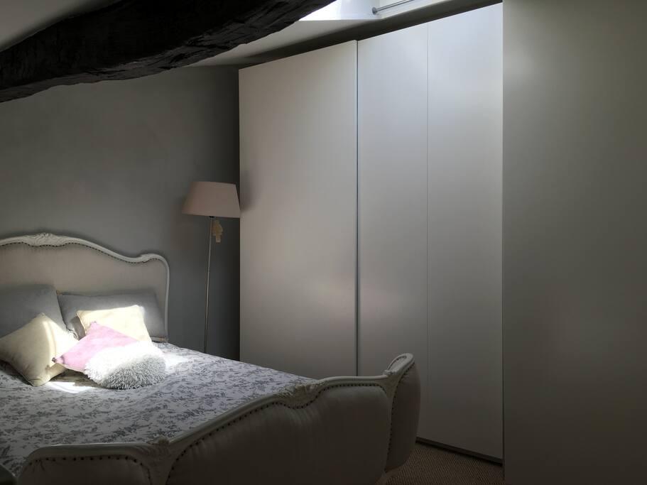 Chambre lit double en mezzanine