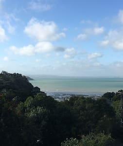 A Blissful View of the Sea on Waiheke Island - オークランド - 一軒家