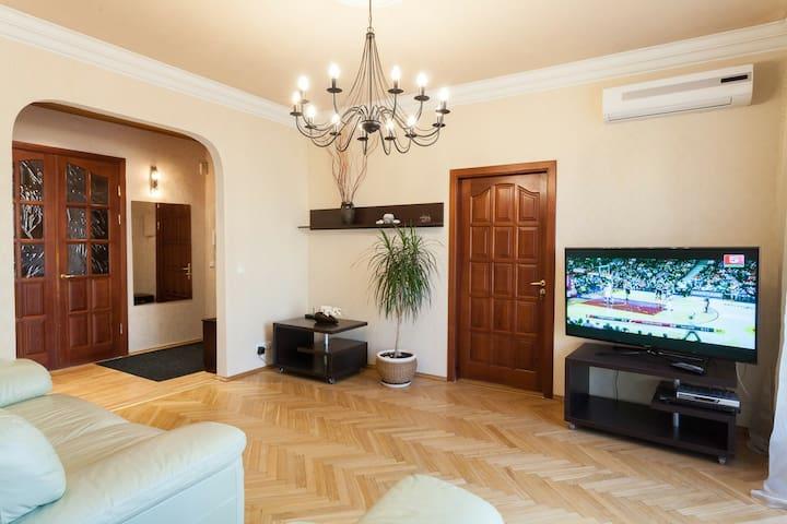 Уютная квартира с 3 раздельными спальнями в центре - Minsk - Daire