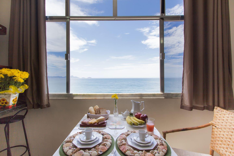 Sala com vista para o mar