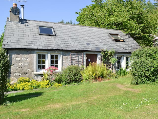 Woodpecker Cottage (23492)