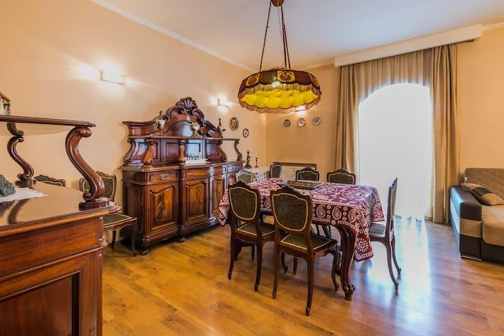 Apartment at 12 baratashvili street 12