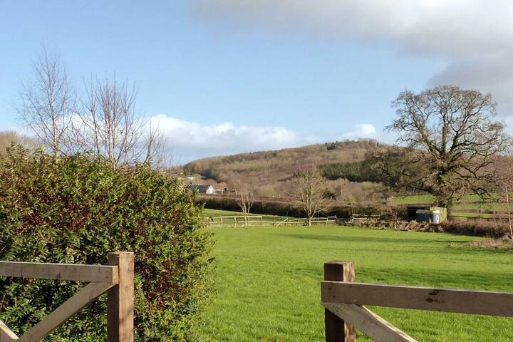 The Roost - Peace and quiet and countryside views.