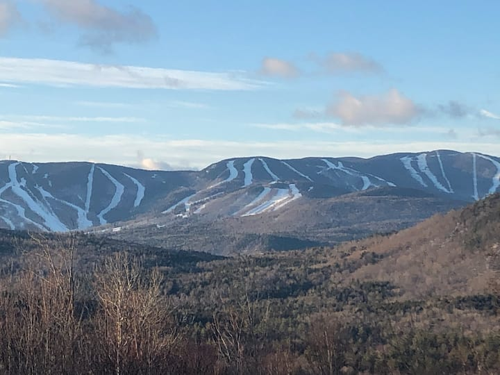 Hikers Get-Away (1 BR near Sunday River - w/views)