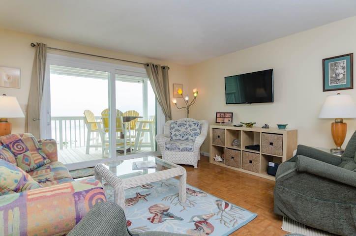 Brauer-Beautiful 2 bedroom Oceanfront condo with elevator access in Ocean Dunes