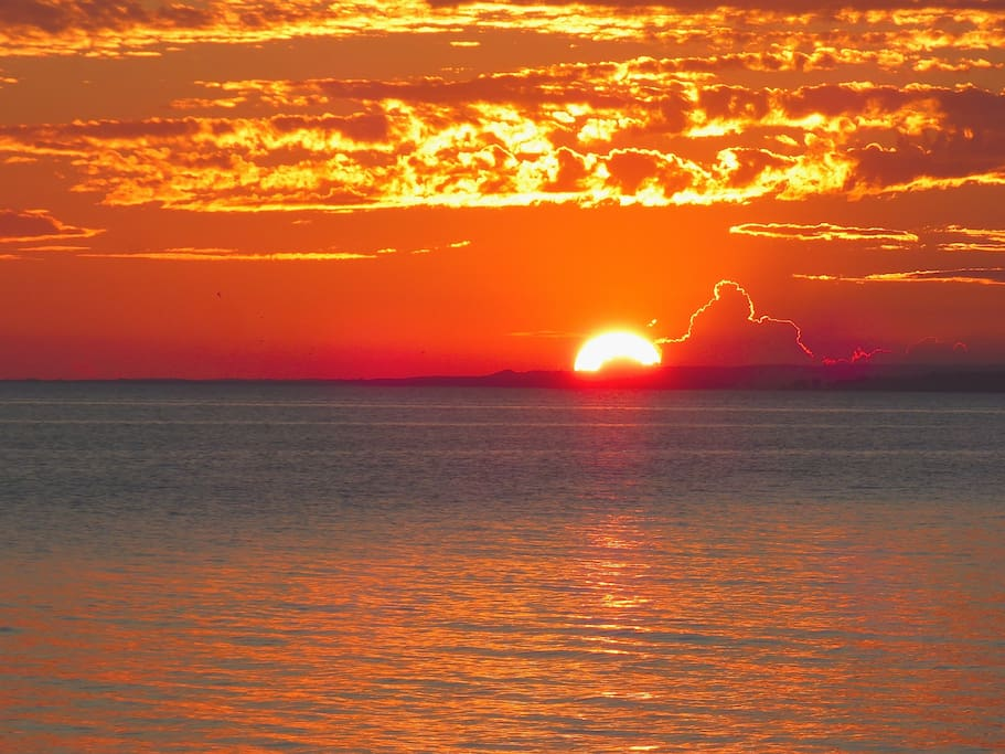 Stunning sunsets on Lake Ontario - only a couple of minutes to drive