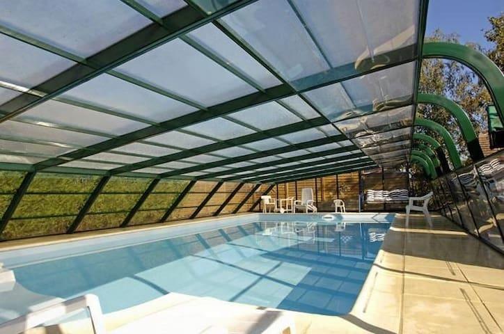 Chambre 2 pers Sdb ds maison piscine spa sauna