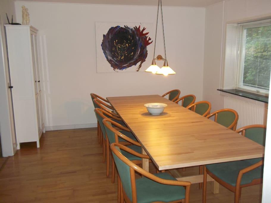 Spisestue m/plads til ti personer