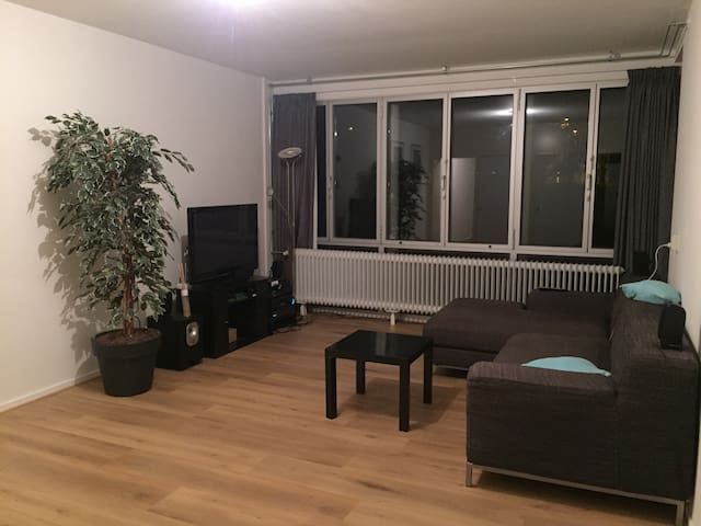 Nice Room in a spacious appartment - Ámsterdam - Apto. en complejo residencial