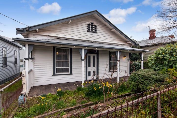 Lauriston Cottage Ballarat