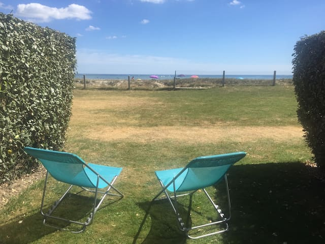 T2 *** VUE MER jardin privatif direct plage WIFI