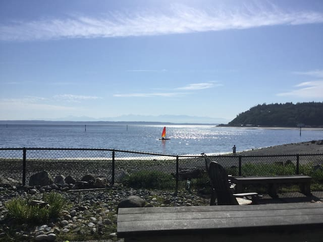 Get away to peaceful Whidbey Island