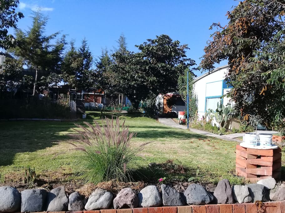 Cumbaya san juan jard n garaje y mas pensione in for Jardines verticales quito ecuador