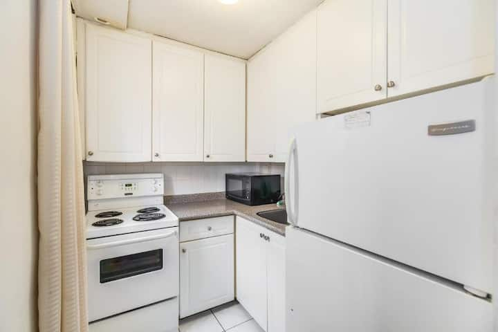Furnished Studio Apartment in Uptown Toronto