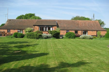 Wensum Barn 8 miles from the coast - 諾福克(Norfolk) - 獨棟
