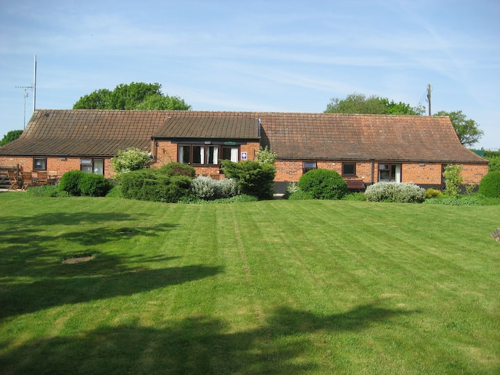 Wensum Barn 8 miles from the coast