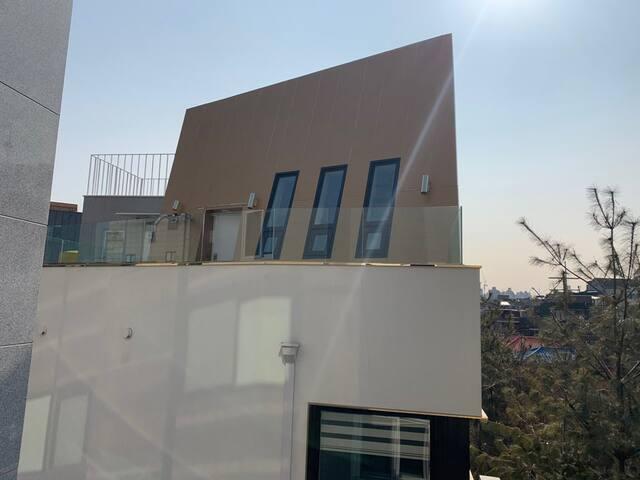 SKY Residence rooftop [スカイ・レジデンス]