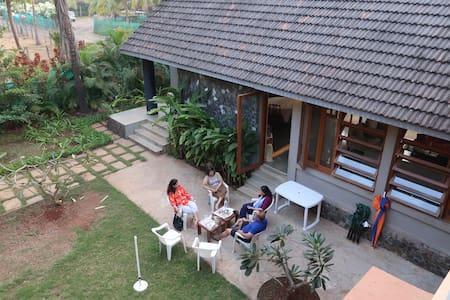 Merchant Villa, Super Getaway in Kashid.