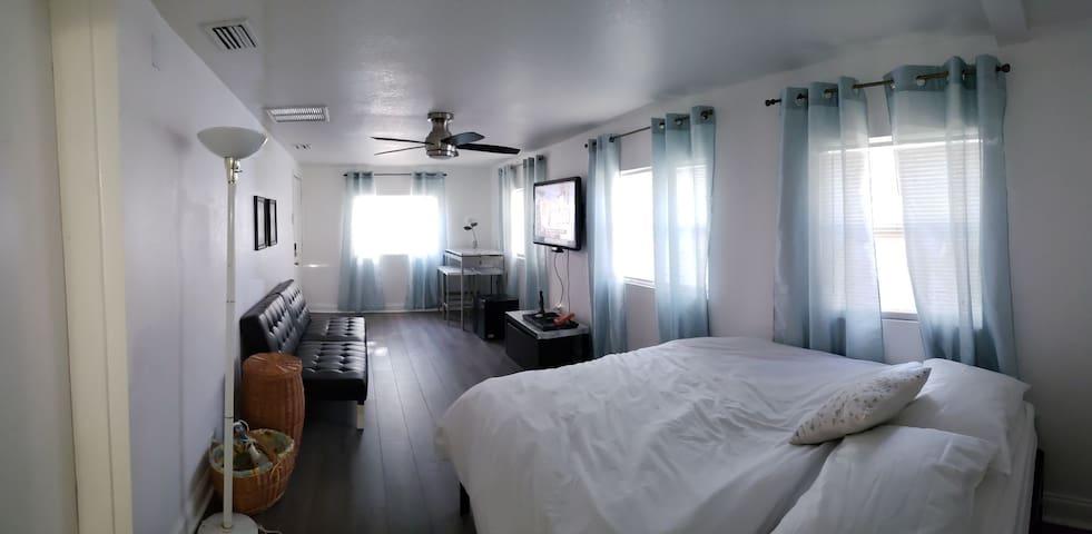 Linda's Private Bed & Bath @Busch G, USF, Moffitt