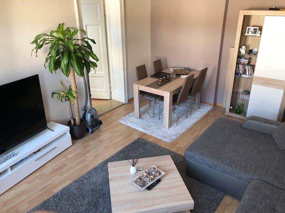 Wohnzimmer (Essbereich)