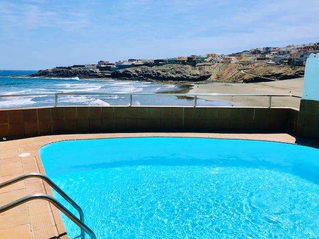 Villa Sunrise ☀️ Amazing private pool over the sea