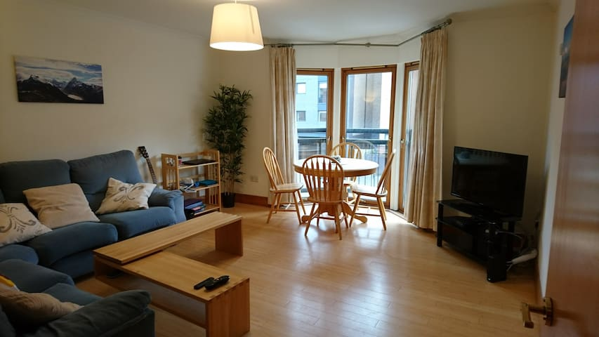 Finnieston, 2 bedrooms & private bathroom