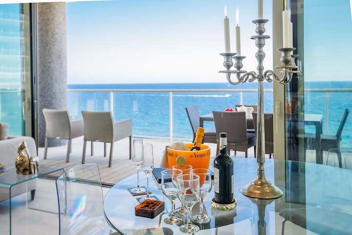 Sea Front Luxury Apartment in Sliema Tigne Point