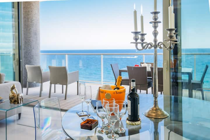 Sea Front Luxury Apartment in Sliema Tigne Point