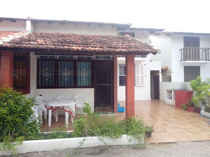 Alambique27 House  Praia do Peró Casa 4 qtos