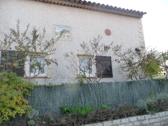 Petite virée en Provence (var) chez l habitant. - Lorgues - House