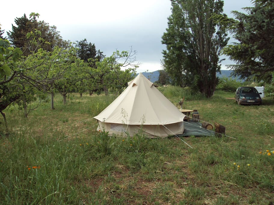 tente canadienne glamping tents for rent in le luc provence alpes c te d 39 azur france. Black Bedroom Furniture Sets. Home Design Ideas