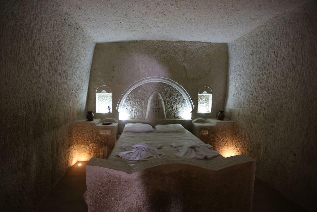 Taş yataklı odamız