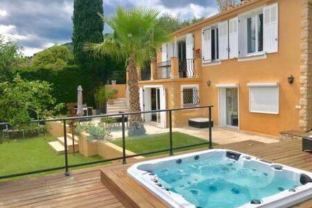 villa 4 pers avec spa et jardin