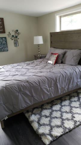 Hermosa cama para un delicioso descanso